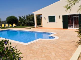 OFERTA ULTIMA HORA 22/08 - 28/08 -1750€ -Vila Grade, fantastica moradia com piscina, ideal para u - Guia vacation rentals