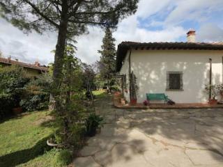 Country house Poggio Oliva , Room-camera Veronica - Fiesole vacation rentals