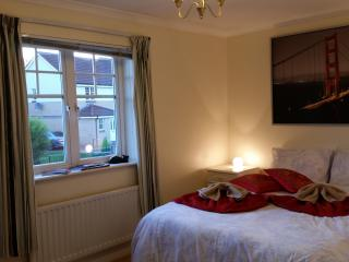 Cosy Room&Parking in West End House - Glasgow vacation rentals