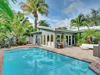 Stunning Modern Tropical Pool Home in Heart of FLL - Fort Lauderdale vacation rentals