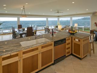 LAST MINUTE PROMOS Stunning Kailua Oceanfront - Kailua vacation rentals