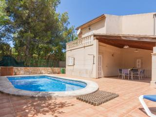Nice Chalet with Internet Access and A/C - Colonia Sant Pere vacation rentals