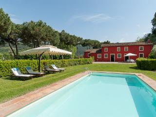 Former olive press with fully equipped kitchen, al- fresco dining. CSL FRA - Lucca vacation rentals