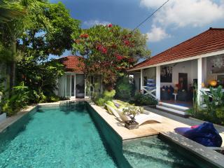 Gorgeous Tropical Villa 500 m Seminyak Beach - Seminyak vacation rentals
