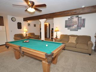 Nice Condo with Dishwasher and Television - Stateline vacation rentals