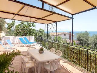 Lovely 2 bedroom Condo in Marina del Cantone - Marina del Cantone vacation rentals