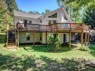 Perfect House with Deck and Internet Access - Bumpass vacation rentals