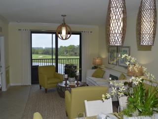 Golf Country Club Condo Sleeps 4 - Bradenton vacation rentals