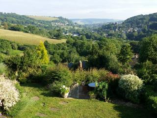 STUNNING VIEWS from Hillcrest cottage - Minchinhampton vacation rentals