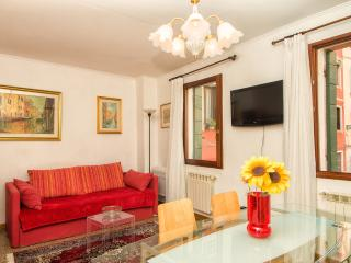 Stella Apartment near to Fondamente Nove stop - Venice vacation rentals