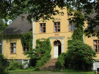 Öland's most romantic farm offers family holidays - Borgholm vacation rentals