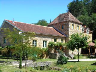 Cozy Gite with Internet Access and Satellite Or Cable TV - Belves vacation rentals