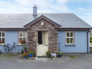 TIG GORM all ground floor, solid fuel stove, WiFi in Cahersiveen Ref 928192 - Cahersiveen vacation rentals