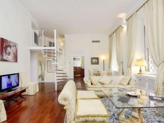 Spacious City Centre Popolo apartment in Borghese-Parioli with WiFi, airconditioning & lift. - Rome vacation rentals