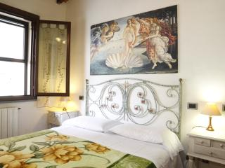 2 bedroom Condo with Internet Access in Pisa - Pisa vacation rentals
