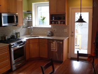 Rowhome Steps to Subway, Convention Center in Shaw - Washington DC vacation rentals