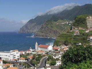 Moradia Penha d' Águia - Porto da Cruz vacation rentals