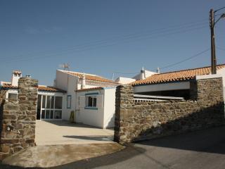 Casa do Monte- Alojamento Rural - Campo e Praia - Castro Marim vacation rentals