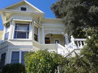 1890 Victorian Flat - Topley Estate - Vallejo vacation rentals