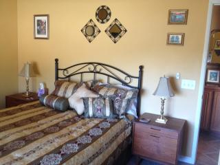 Wine Country Private Queen bedroom - Temecula vacation rentals