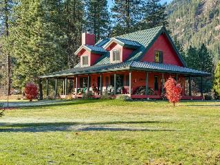 Little Red Cabin - Leavenworth vacation rentals