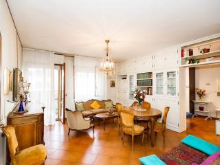 Mara's Place- elegante appartamento Firenze - Florence vacation rentals