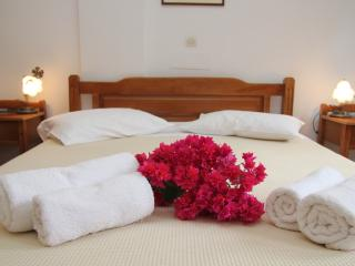 Ersi villas Studio room - Firostefani vacation rentals