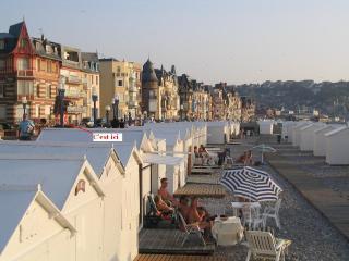 Studio face à la mer avec véranda - Mers Les Bains vacation rentals