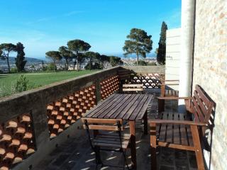 Trilocale Liber/Il Pignocco Country House - Pesaro vacation rentals