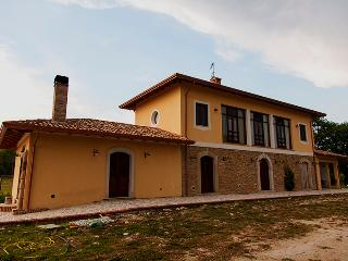 Romantic 1 bedroom Farmhouse Barn in Arce - Arce vacation rentals