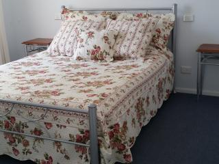 1 bedroom Bed and Breakfast with Television in Cobram - Cobram vacation rentals
