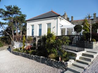 Wonderful cottage with stunning sea views! - Barmouth vacation rentals