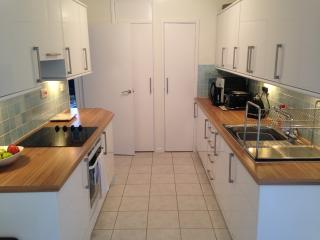 Newly renovated, quiet flat for 4 persons - Eastleigh vacation rentals