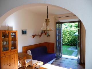 Romantic 1 bedroom Menaggio House with Internet Access - Menaggio vacation rentals