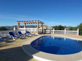Beautiful Country Villa. Pool. Wifi. 20 mins Beach - Alhaurin de la Torre vacation rentals