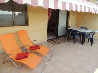 Nice and pleasant apartment with good location - Acantilado de los Gigantes vacation rentals