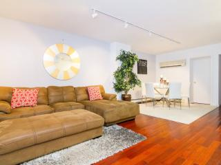 Midtown Duplex 4 bedroom Sleeps 9 - New York City vacation rentals