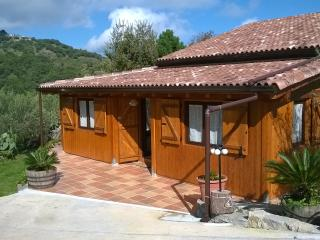 Nice Chalet with Satellite Or Cable TV and Parking - Montalbano Elicona vacation rentals