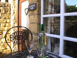 Grade II listed cottage , log burner, with parking - Bourton-on-the-Water vacation rentals