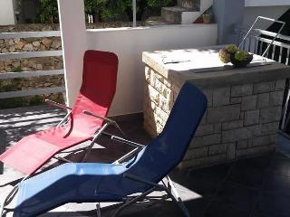 Beautiful apartment for 5 guests Razanj, Rogoznica - Rogoznica vacation rentals