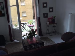 Flat to rent two minutes metro station - Barcelona vacation rentals