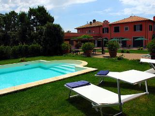 7 bedroom Villa with Internet Access in Orbetello - Orbetello vacation rentals