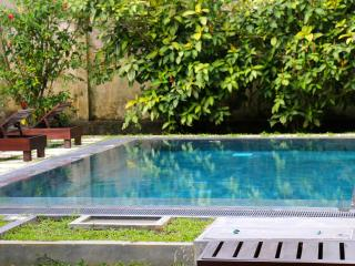 Moonwater : 5 Bedroom Retreat with Pool and A/C - Unawatuna vacation rentals