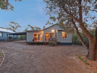 Broulee Beach Cottage - Broulee vacation rentals