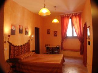 Gulliver's Lodge Lovely B&B  at Colosseum - Vatican City vacation rentals