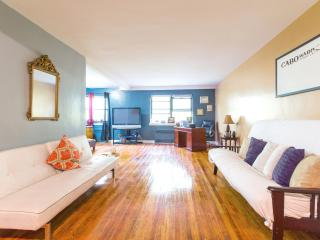 Beautiful Kew Gardens Flat SUPER SPACIOUS/NICE - Kew Gardens vacation rentals