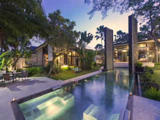 Kouru, 5 bedroom Luxury Villa, Canggu - Canggu vacation rentals
