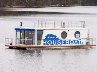 Houseboat Finland: Houseboat DeLuxe 42 m2 / 8 Twin - Aanekoski vacation rentals