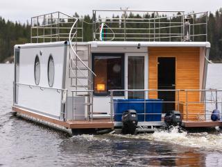 Houseboat Finland: Houseboat DeLuxe 42 m2 / 6 - Aanekoski vacation rentals