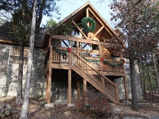 Stone's Throw-4 bedroom, 4 bath lodge **Decorated for Christmas** - Branson West vacation rentals